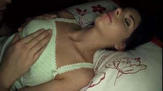 Отчим ласкает спящую девочку