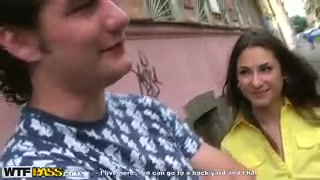 Русскую молодую красотку оттрахали в подъезде