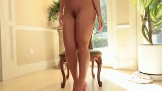 Шикарная мастурбация блондинки