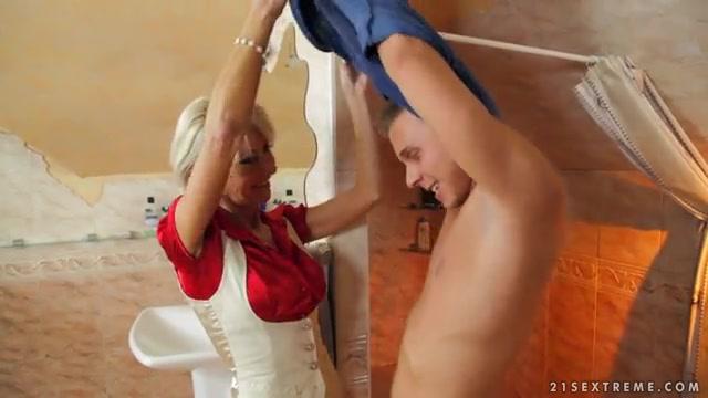 Спонтанный секс с зрелой дамочкой